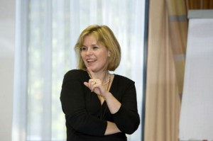 Frau Dipl. Rechtspfl. (FH) Karin Scheungrab bei der BID Inhouse Schulung
